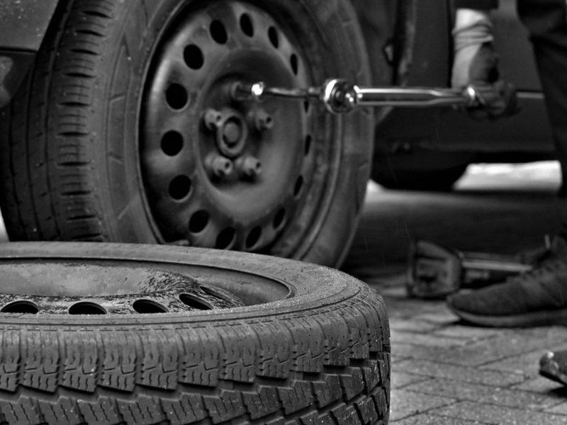 Montering og afbalancering af dæk